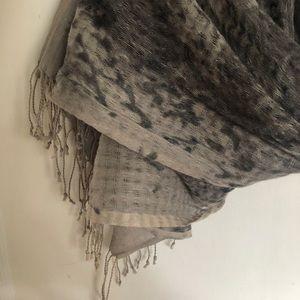 Linen silk blend Eileen Fisher scarf